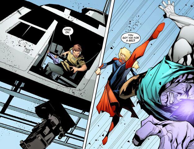 File:Smallville - Chaos 010 (Digital-Empire)006.jpg