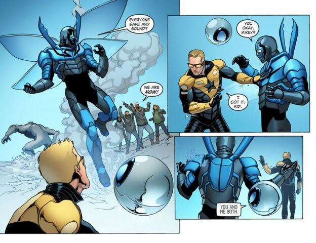 File:Blue Gold Booster Gold Smallville sm s11 7-adri280891.jpg