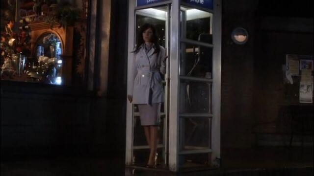 File:Lois' last Blur phonecall.jpg