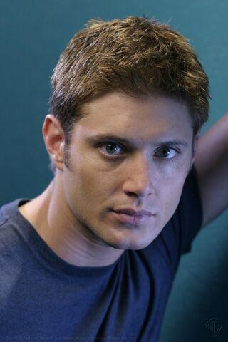 File:Jensen Ackles Smallville Promotional 2-31.jpg