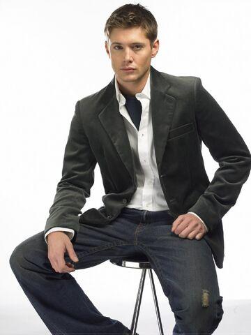 File:Jensen Ackles 2004 by John Russo - 12004.jpg