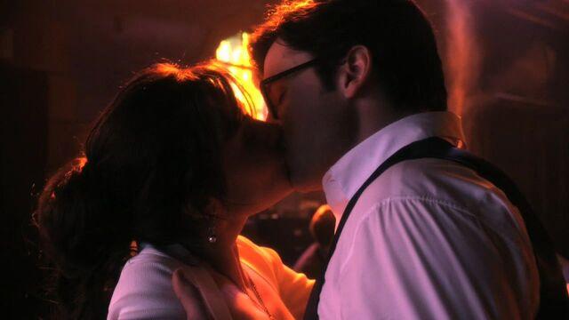 File:Final kiss.jpg