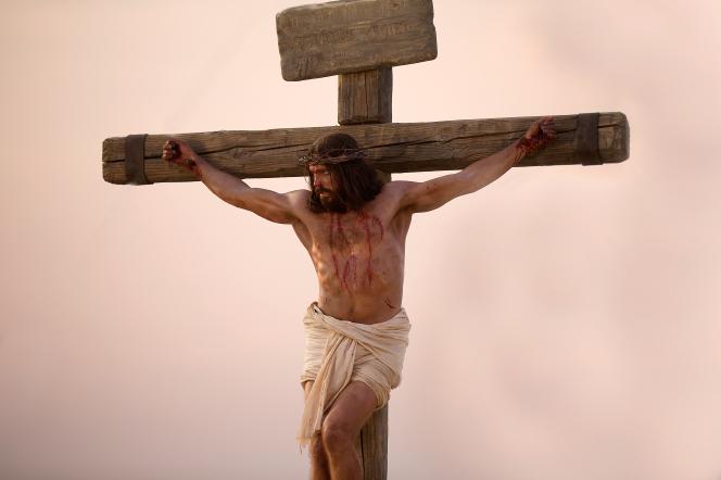 Jesus-on-the-cross-1138638-gallery