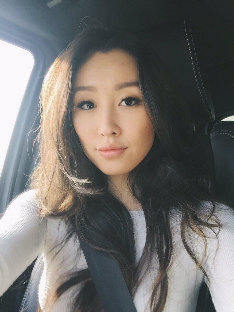 Olivia Sui nude 977