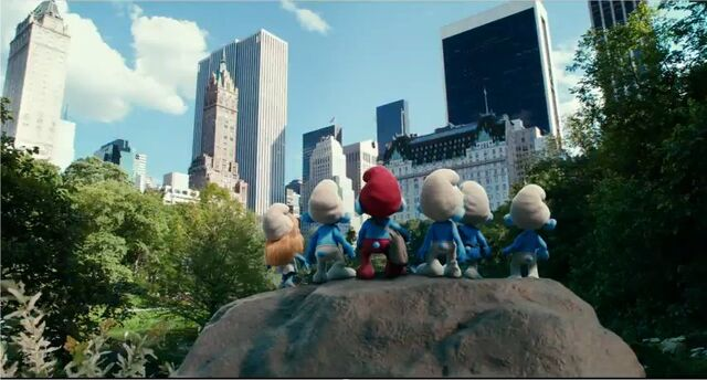 File:Smurfs In New York City.jpg