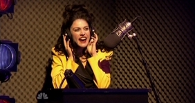 File:Cecily Strong as Fran Drescher (3).jpg