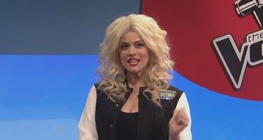 File:SNL Cecily Strong as Christina Aguilera.jpg