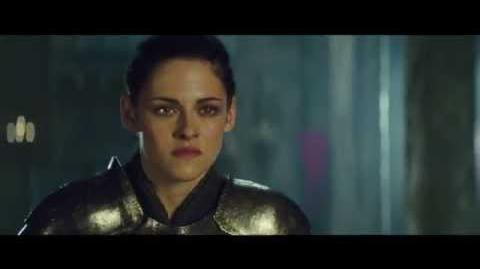 """Snow White And The Huntsman Clip - """"Snow White & The Queen Face Off"""""""