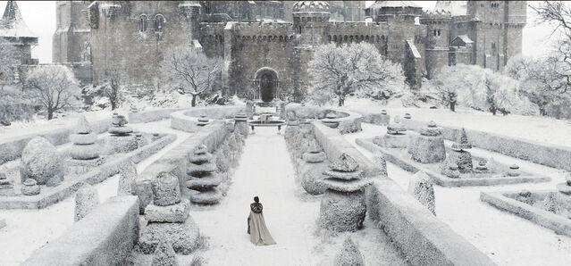 File:Winter Castle.jpg