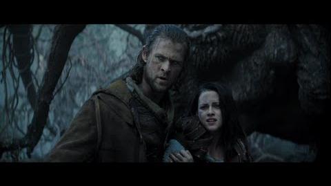 "Snow White and the Huntsman - ""The Huntsman Attacks"""