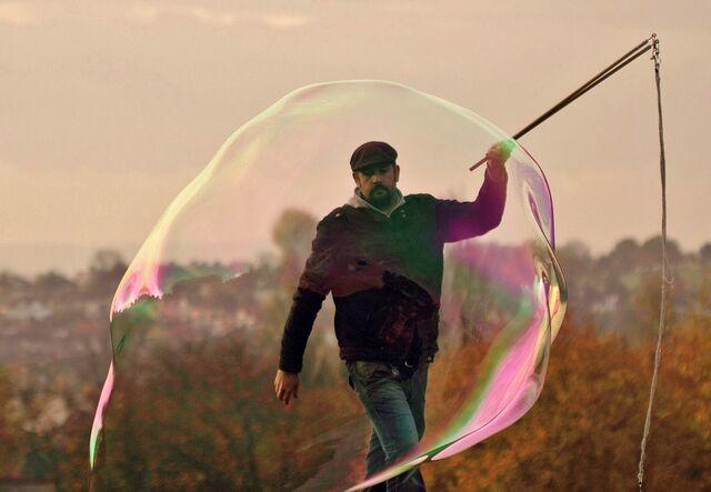 File:Lionel bubble.jpg