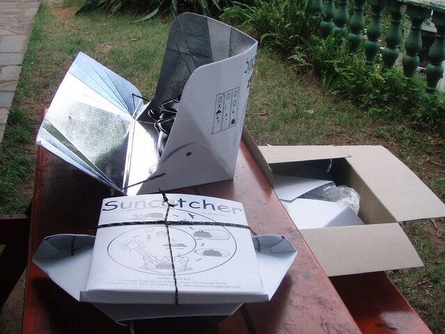 File:Suncatcher folded open and boxed.jpg