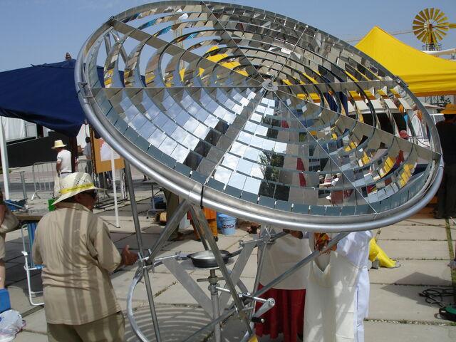 File:Fresnel ring concentrator Granada 2006.jpg