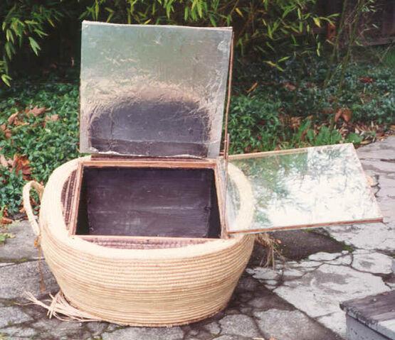 File:Solar-cooker-design-cane basket2.jpg