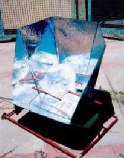 Flat reflector open solar cooker1