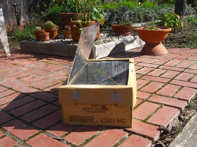 File:Beths box cooker-4.jpg