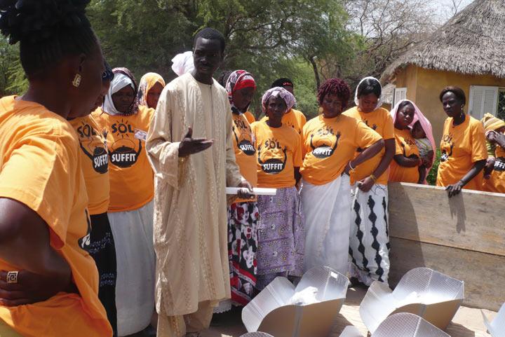 ファイル:SolSuffit-Senegal.jpg