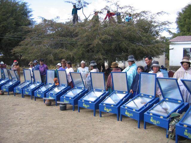 File:Bolivia-Inti blue box cookers.jpg
