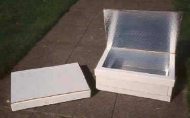 File:Sponheim collapsible solar box cooker.jpg