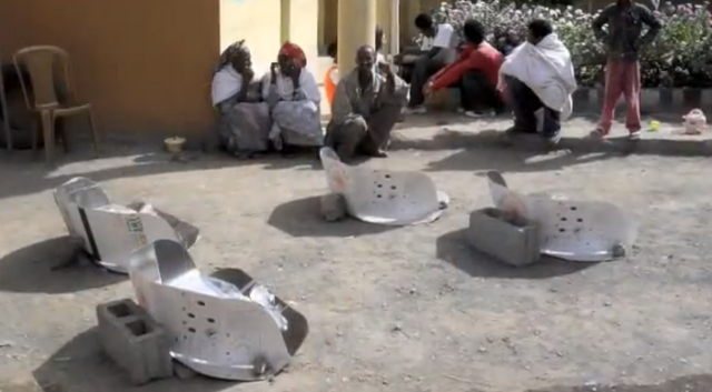 File:Ethiopian Christmas Solar Cooking 2009.png