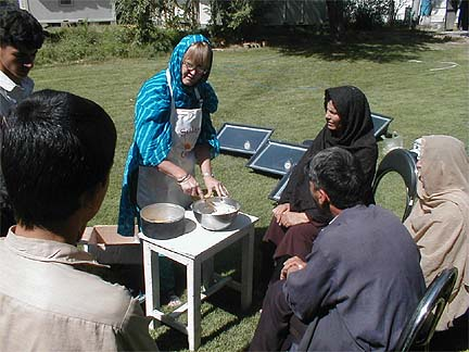 File:Grace Magney demonstrating solar cooking in Afghanistan.jpg
