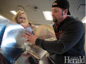 File:Lethbridge, Alberta, Canada students make solar cookers, 2-17-16.png