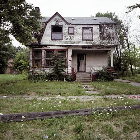 File:Abandoned house 7.jpg