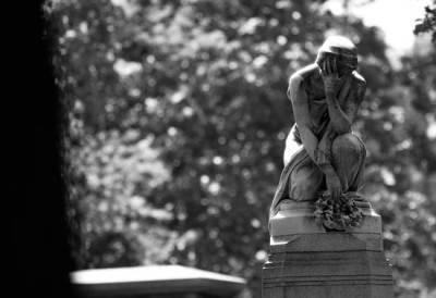 File:Woman-in-mourning-gravestone.jpg