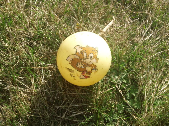 File:Tails ball.jpg