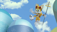 Tails holding weapon