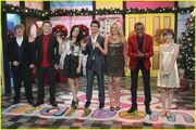 Joe-jonas-sonny-holiday-02