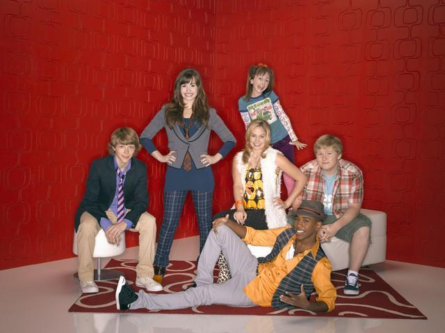 File:Sonny with a chance cast.jpg