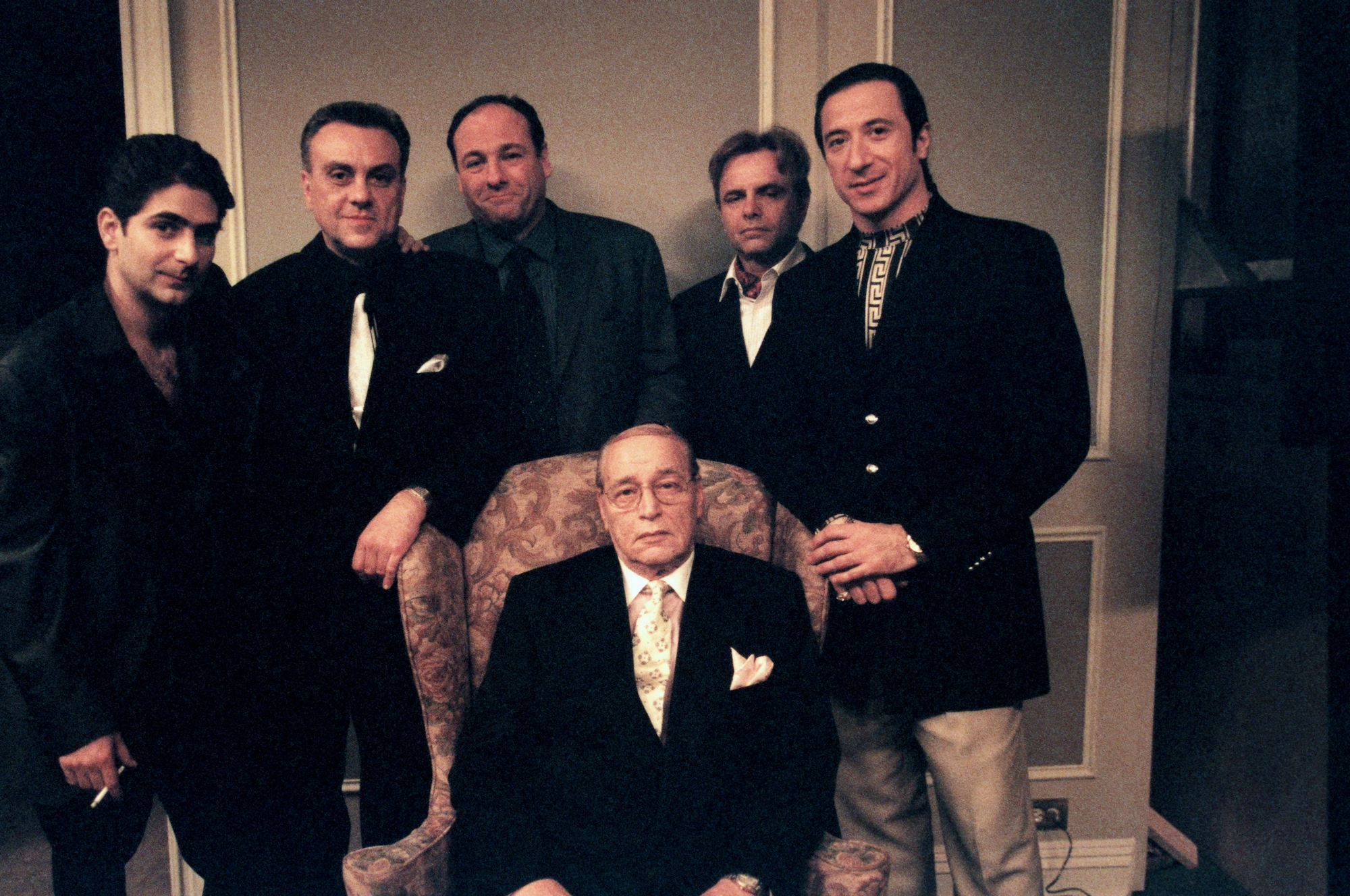 -home-hbo-www-uploads-dimension-500x375-the sopranos s401 for all debts public and private 11211 65