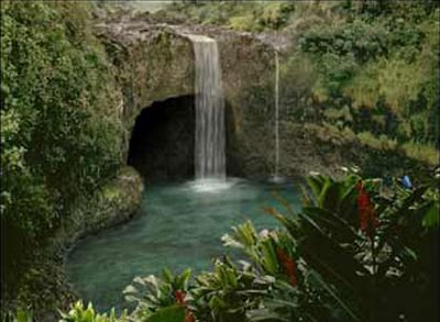 File:Waterfalls2 cave mouth.jpg