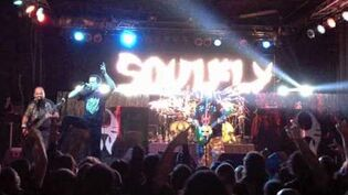 Soulfly - World Scum (Live) Feat