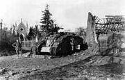 220px-Bundesarchiv Bild 183-S12137, Westfront, bei Cambrai erbeuteter Panzer