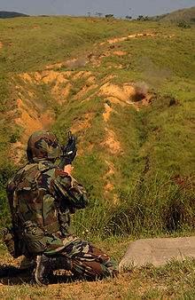 File:220px-M203 Shooting.jpg