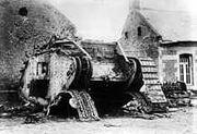 220px-Bundesarchiv Bild 183-R27012, Bei Cambrai erbeuteter englischer Panzer