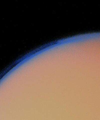 File:Titan's thick haze layer-picture from voyager1.jpg