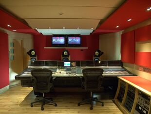 Abbey-road-control-room-640-80
