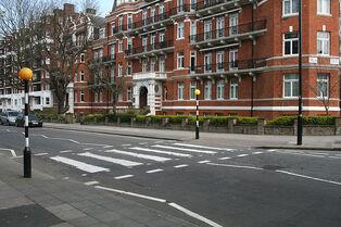 800px-Abbey Road Zebra