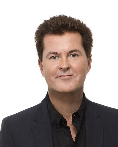 File:480px-Simon Fuller - 357 - Head Shot - 8X10.jpg