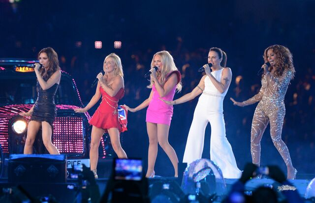 File:Aug-12th-London-Spice-Girls-at-London-2012-Olympics-Closing-Ceremony-spice-girls-31798914-2499-1614.jpg