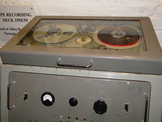 File:EMI tape recorder used at Abbey Road Studio (1).jpg
