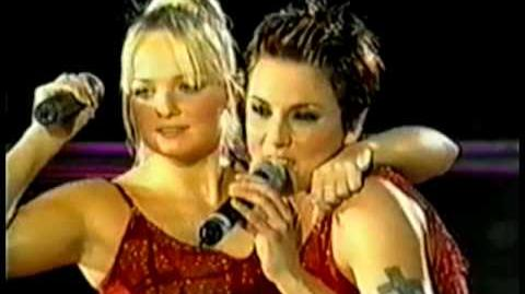 Spice Girls - Christmas Medley Live At Earl's Court-0