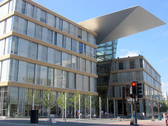 File:RealWorld Minneapolis Central Library.jpg