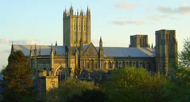 File:RealWorld Wells Cathedral.jpg