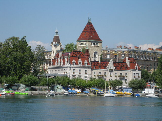 File:RealWorld Chateau d'Ouchy.jpg