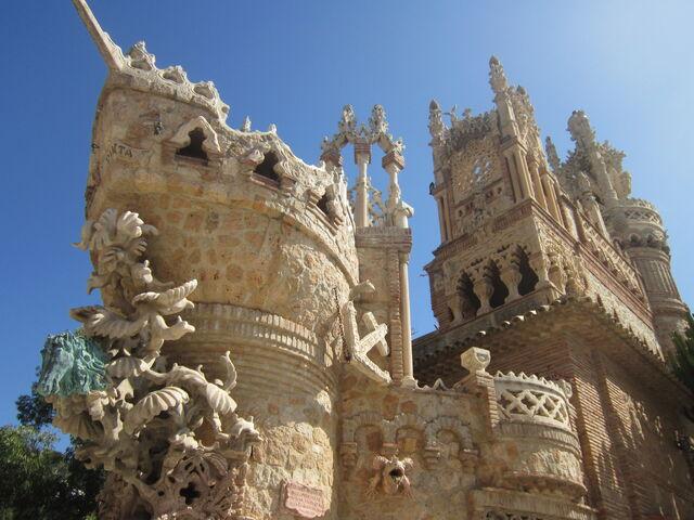 File:RealWorld Colomares Castle.jpeg