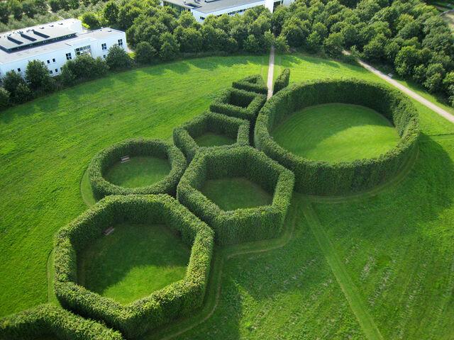 File:RealWorld Geometric Park.jpg